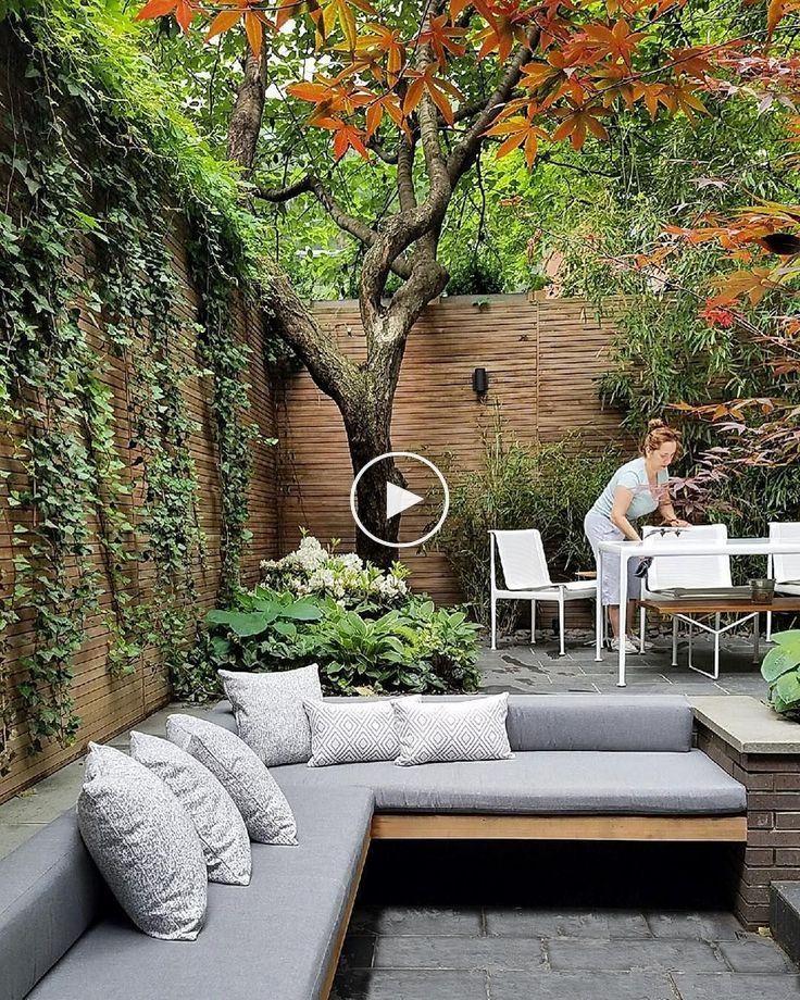 22 Marvelous Winter Garden Design For Small Backyard