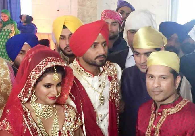 Geeta Basra Harbhajan Singh Wedding Mrs Cricketer Mr Bollywood Part Ii Weddingplz Bollywood South Indian Bride Celebrity Weddings