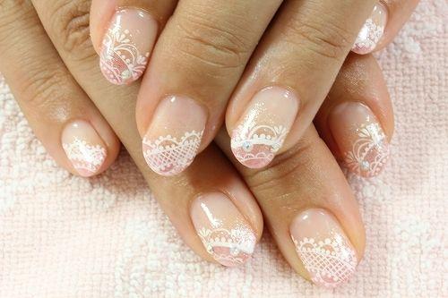 Sweet gyaru lace nails :)