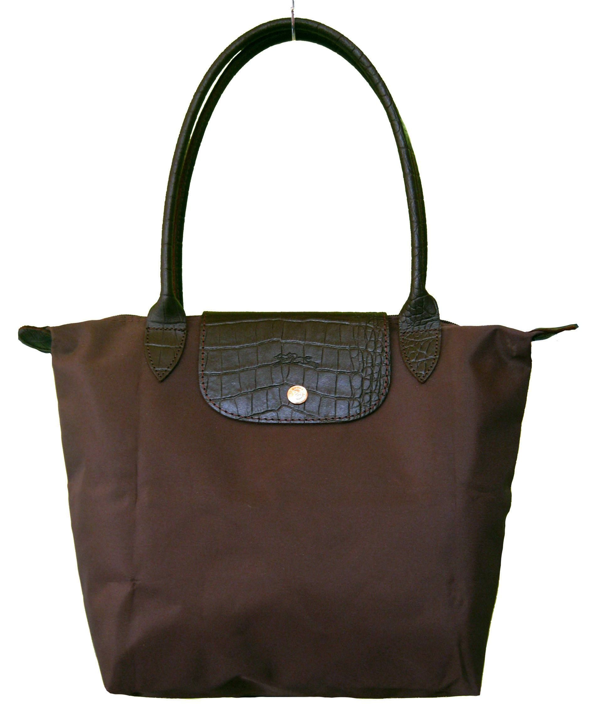 A very elegant and professional designer leather tote bag by Alain Delon. More  can be read about this leather tote bag, but be quick bef… d9da359e7f