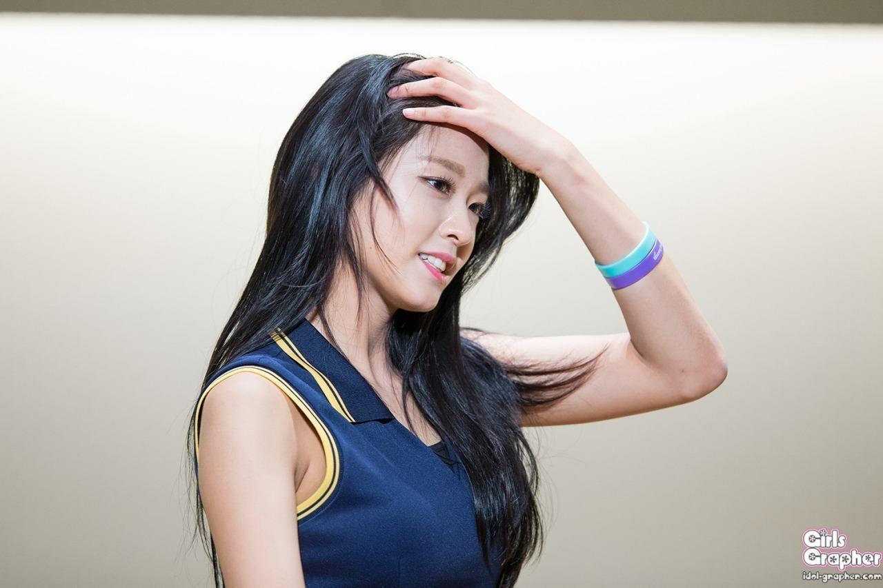 Aoa Seolhyun Shares Details About Her Past Dating Experience Seolhyun Aoa Kim Seol Hyun
