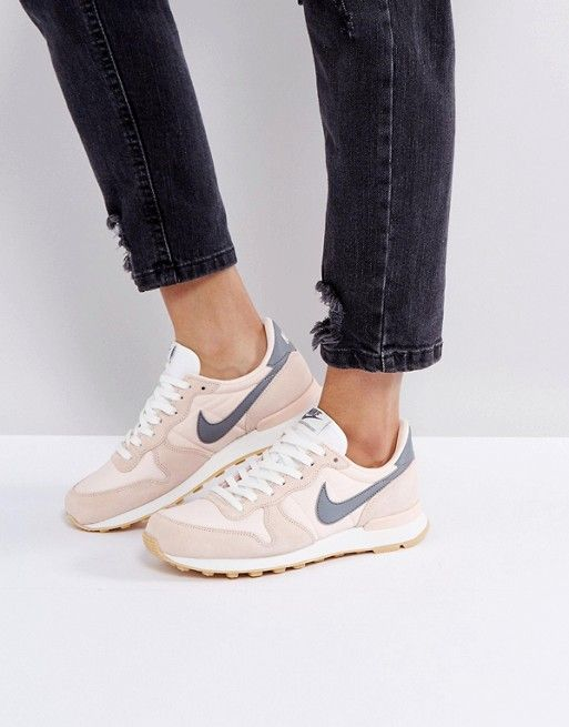 51a80e236ab Nike Internationalist Trainers In Peach