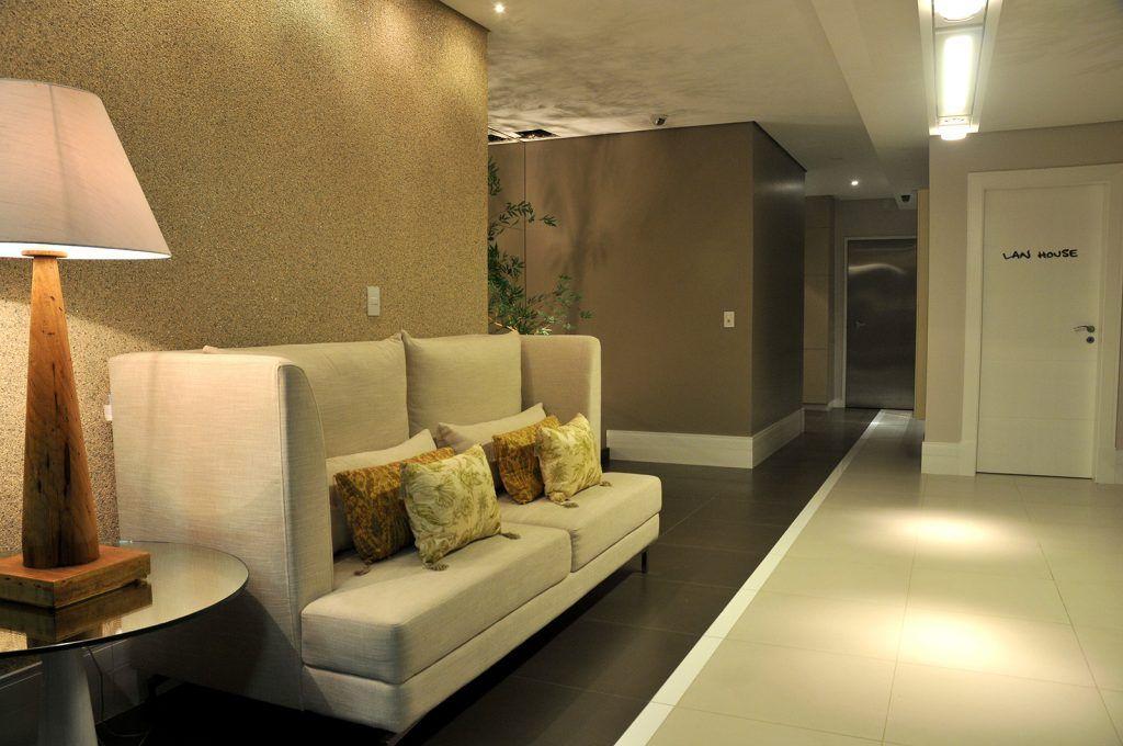 Hall de entrada, prédio residencial, paginaç u00e3o de piso diferenciada, papel de parede, cores  -> Decoração De Hall Social De Prédio