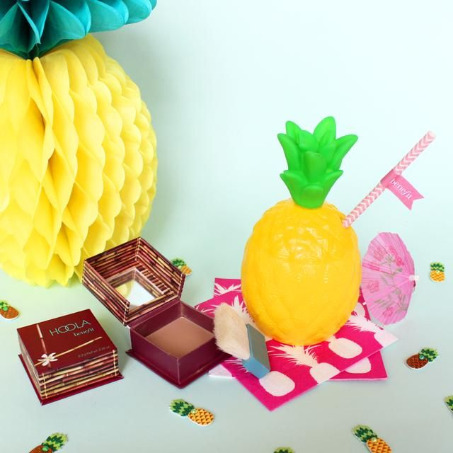 Holla for #hoola! The most matte-nificent bronze from a box ;) #benefitbeauty