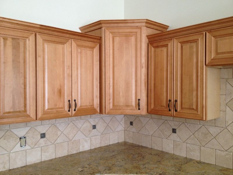 Back Splash Maple Kitchen Cabinets Maple Cabinets Kitchen Remodel Design