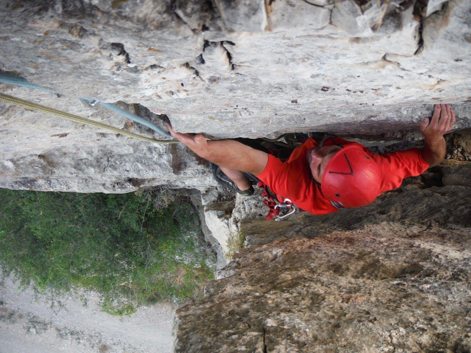 Escalando El Salto de la Novia (Cantavieja)