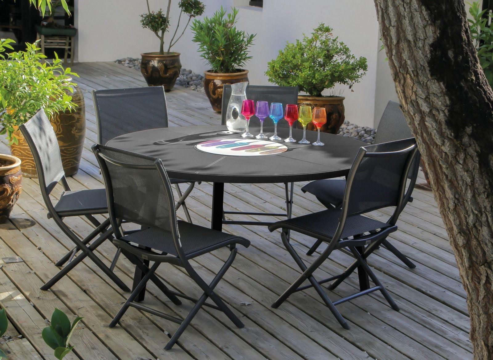 table de jardin ronde avec plateau