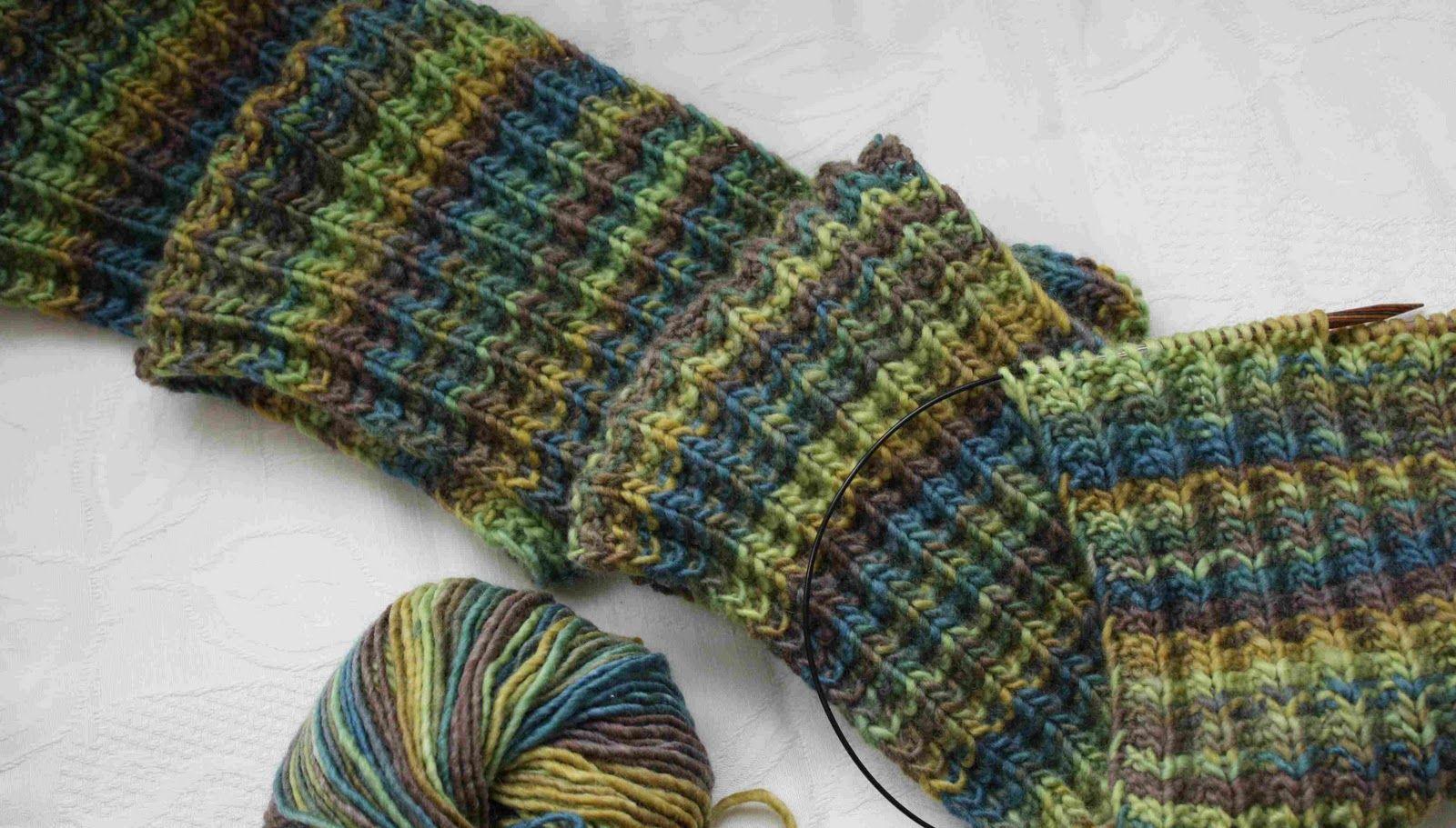 Im Netz schwirren unzählige Muster für Schals aller Art herum. Doch ...