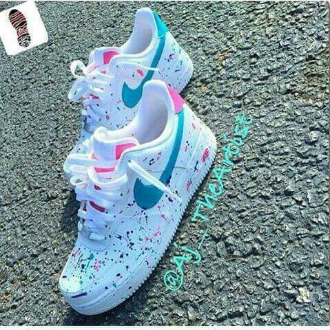 Paint, pink and turquoise Nike