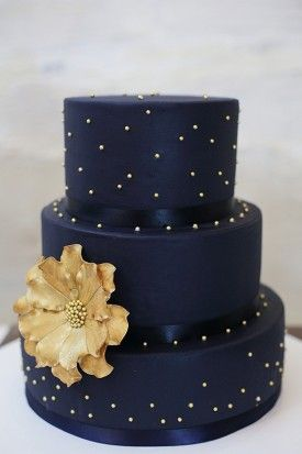 Unsure About Colored Wedding Cakes But It S Pretty And I