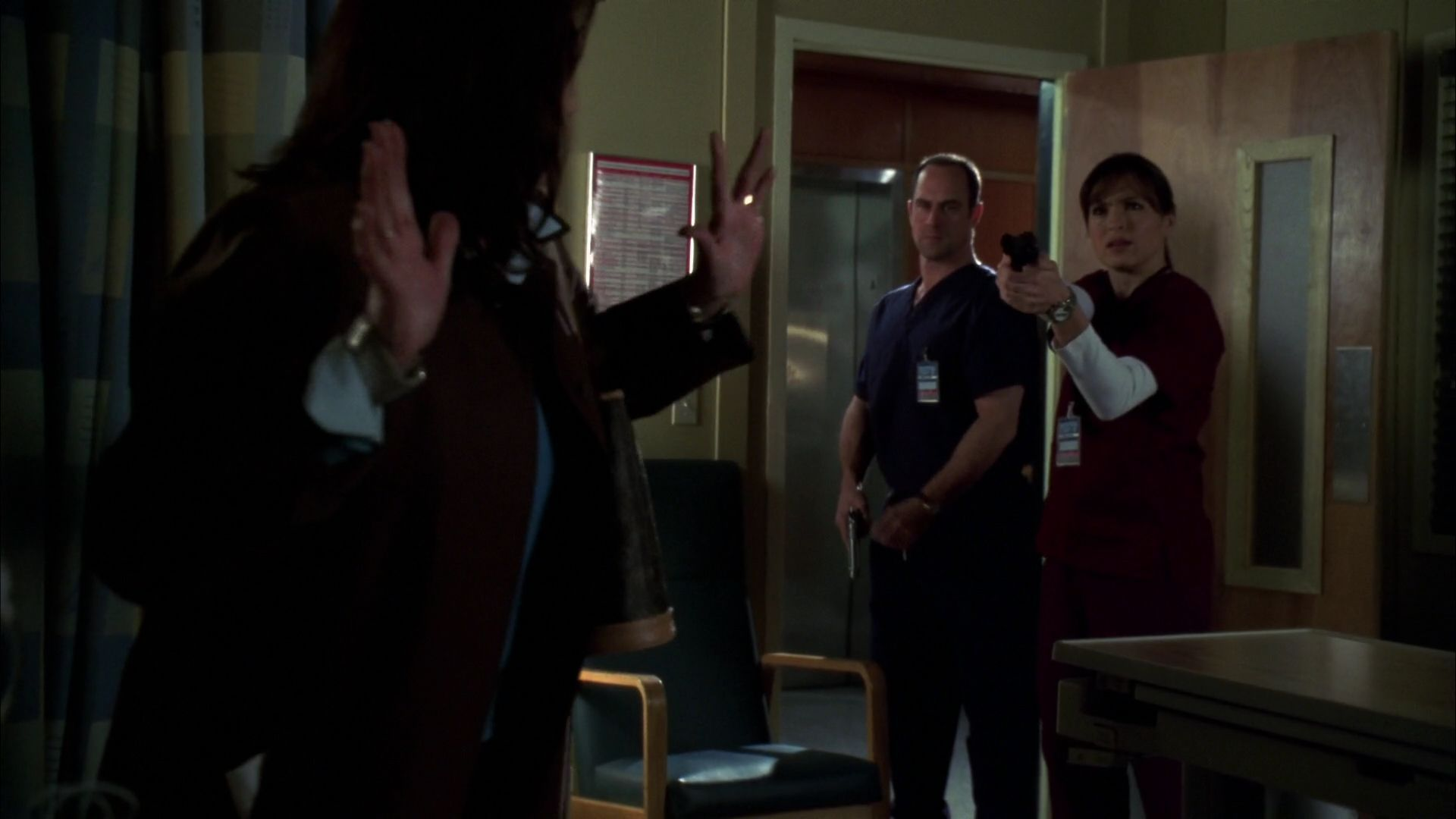 Elliot Olivia Undercover As Doctors In Season Eight Episode Sin Special Victims Unit Law And Order Law And Order Svu
