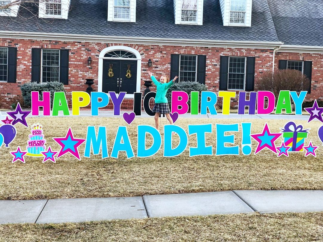 Maddie Was In Love With Her Birthday Yard Card Happy Birthday Surprise Maddie Cele Happy Birthday Yard Signs Birthday Yard Signs Diy Birthday Yard Signs