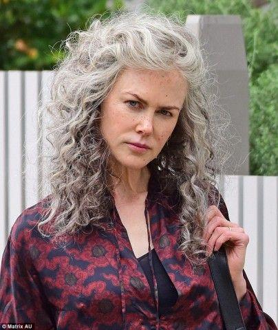I capelli grigi di Nicole Kidman (e delle altre star)  f3ece9df5a31