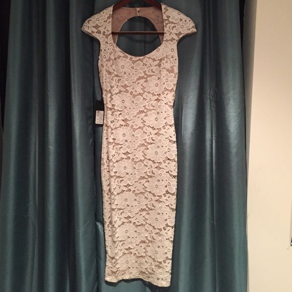 Beautiful new Marciano Dress Lace dress- nude color lining- stretch fabric Marciano Dresses