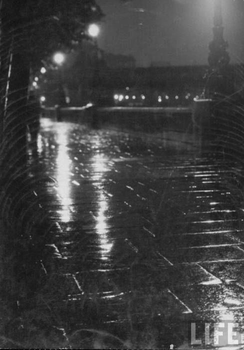 Pin By Carol Shepko On Here S That Rainy Day Rainy Street Rainy Night Night Rain