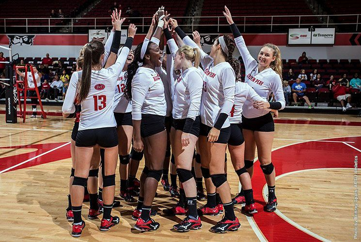 Instant Peay Play Apsu Volleyball Primed To Make Deep Ovc Run In 2017 Volleyball Volleyball News Volleyball Team