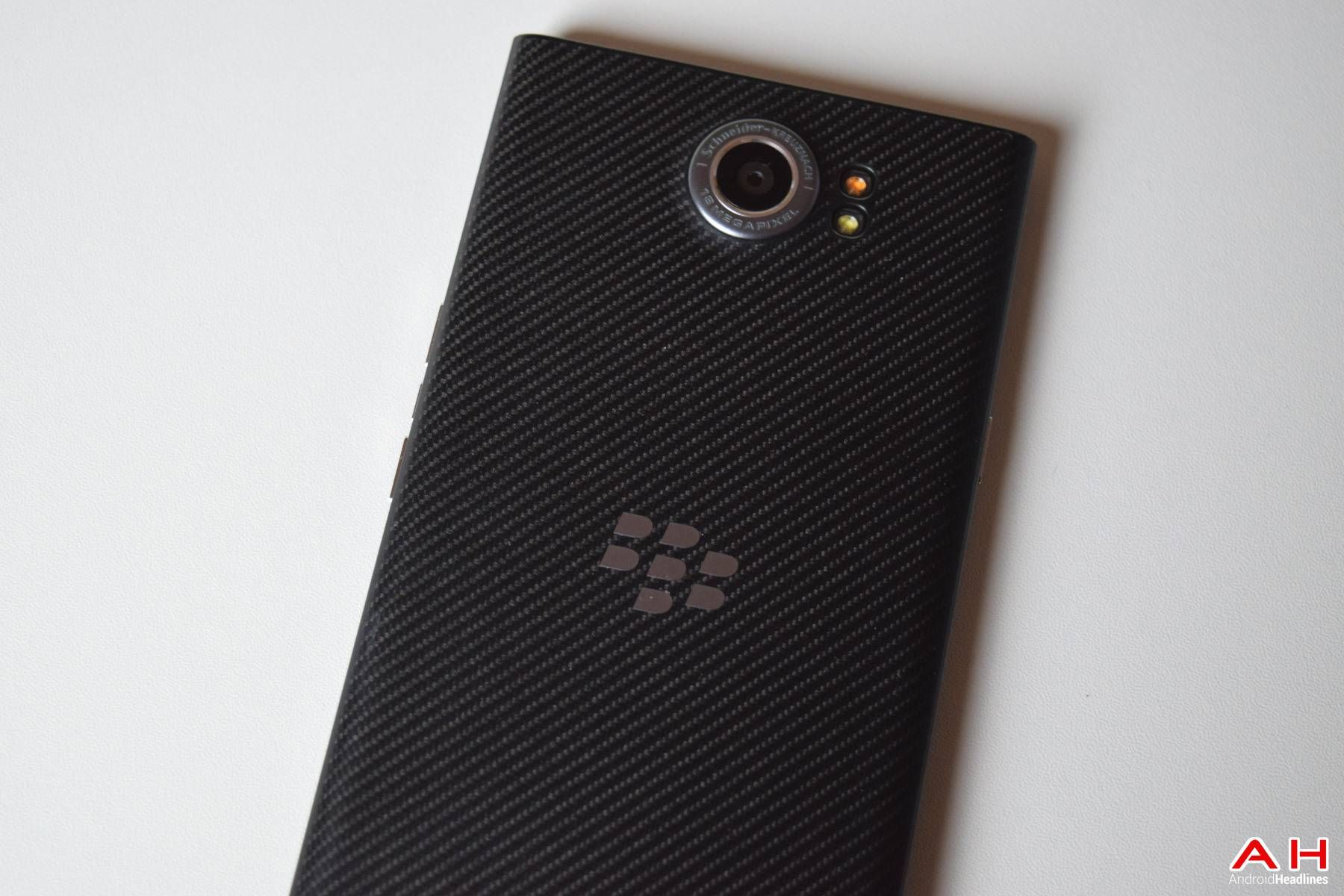 BlackBerry Priv T Mobile Gets January Security Patch Android news Google