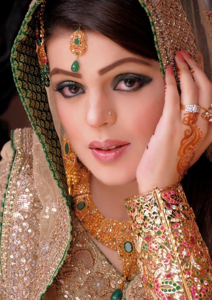 Mehndi Party Makeup : Pakistani wedding parties makeup new collection