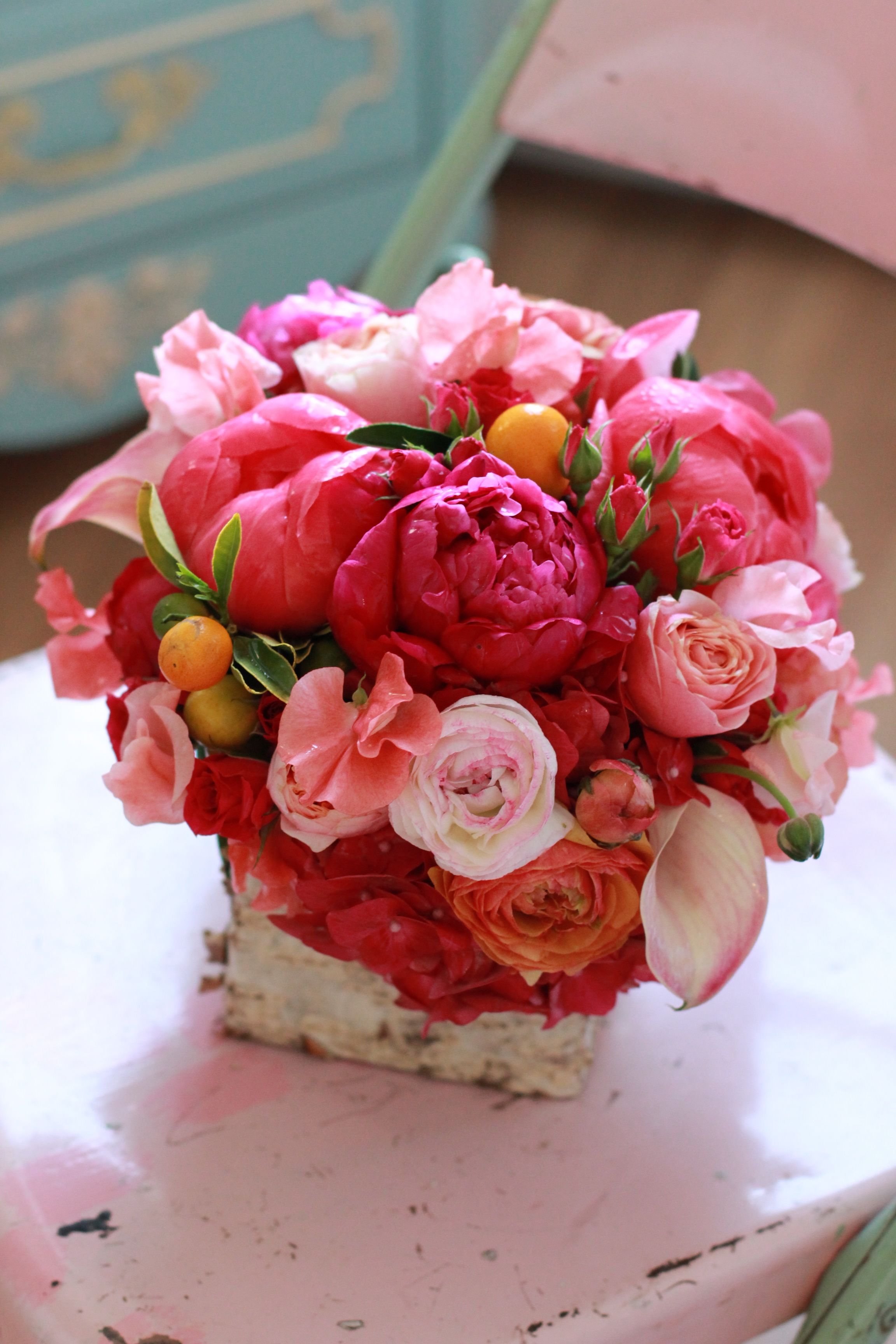 Peach Garden Rose flowerssachi rose. arrangement includes coral peonies, peach