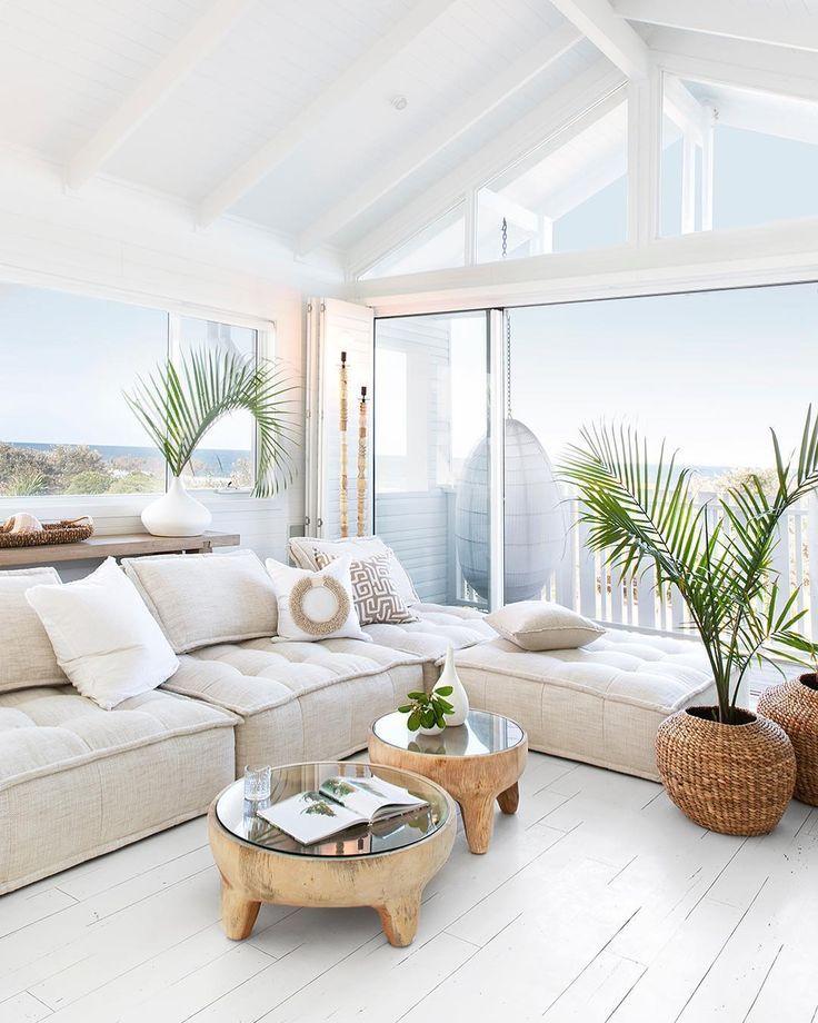 Bild könnte enthalten: Tisch, Wohnzimmer und Interieur -   # #strandhuis