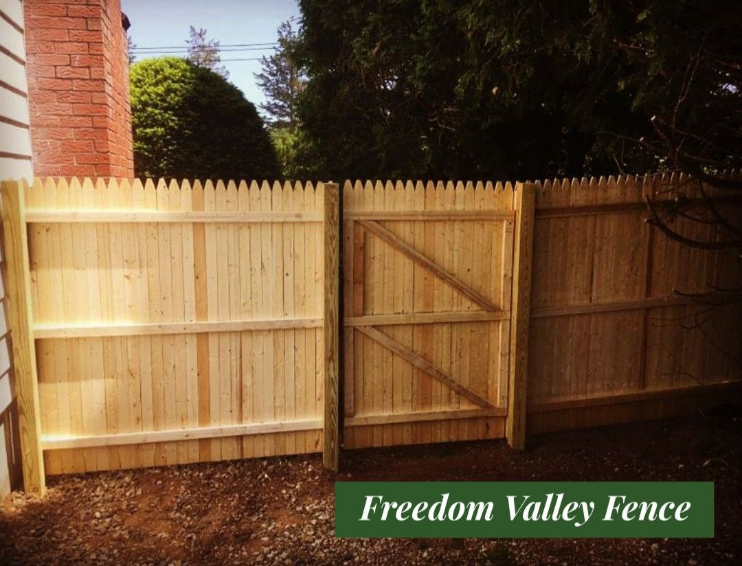 Cedar Fence Privacy Fence Gates Mailbox Installation Cedar Fence Fence