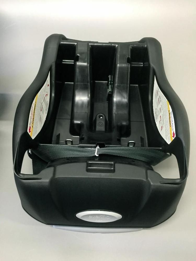 Evenflo Embrace 35 Infant Car Seat BASE DATE3/2014   EXPIRE DATE 3/2020