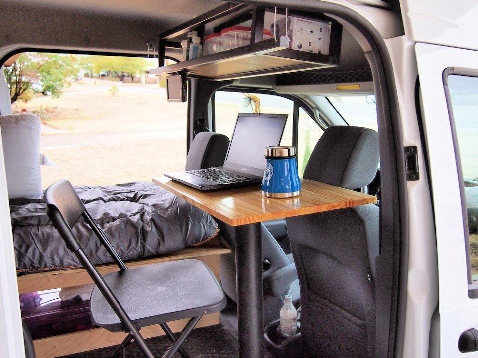 regal zwischen fahrerkabine und innenraum. Black Bedroom Furniture Sets. Home Design Ideas