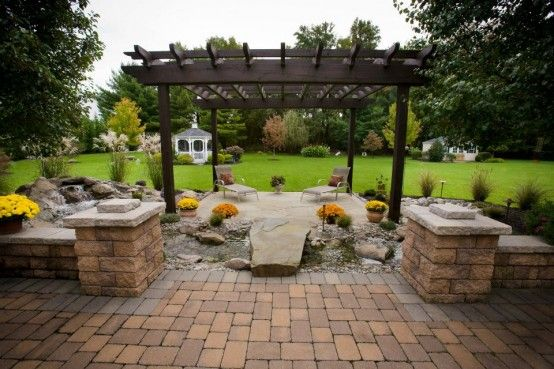 Stone walls landscaping ideas landscaping pavers ideas for Block wall landscape design