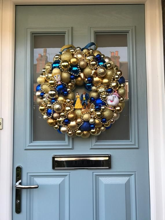 Bauble wreath - Tale as old as time