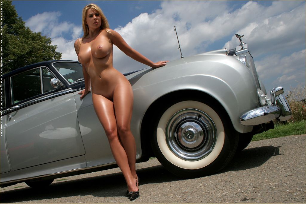 Naked girls and classic cars very pity
