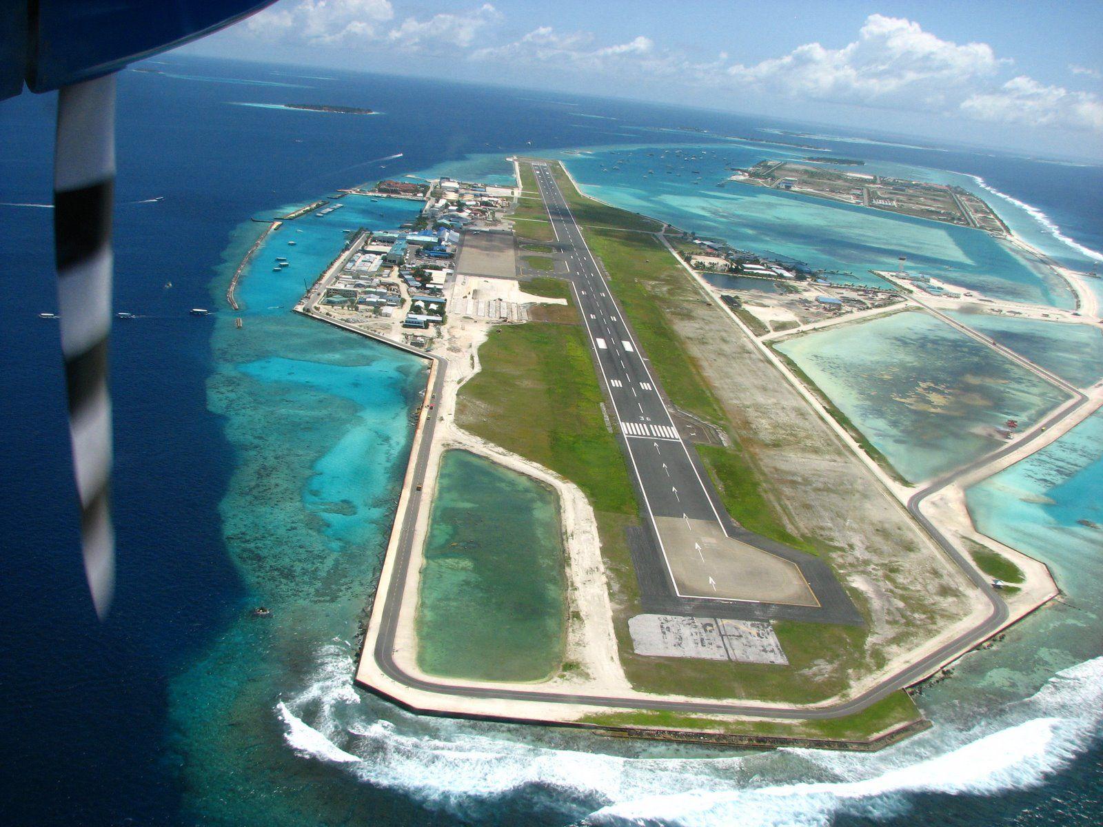 Aeroporto Male Maldive : Malé international airport male international airport is on an