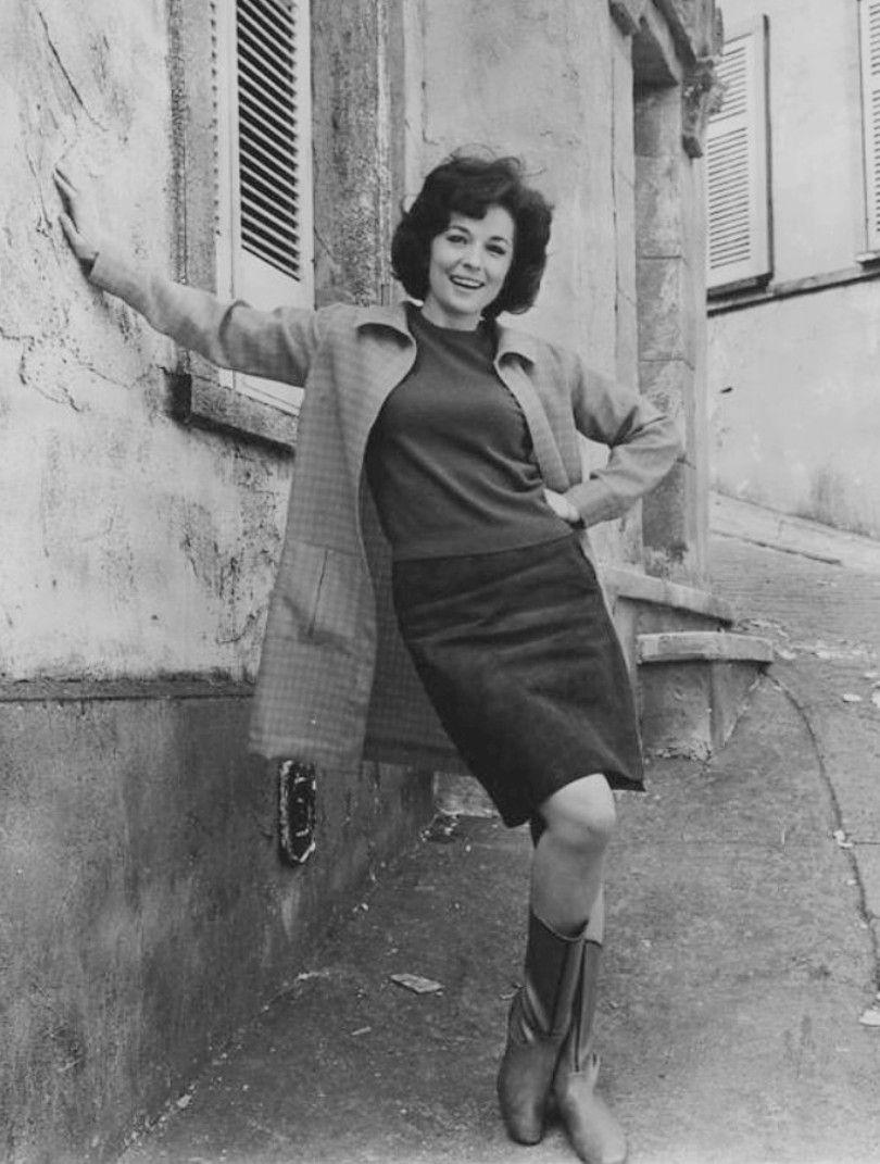 Catherine Hicks born August 6, 1951 (age 67),Jacquelyn Jablonski Erotic photo Flavia Lucini 2 2015-2016,Lisa Dillon