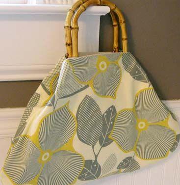 433fee6af Vamos aprender a fazer bolsas de tecido para o dia-a-dia com um toque bem  tropical usando alças de bambú. Confira o passo-a-passo completo.