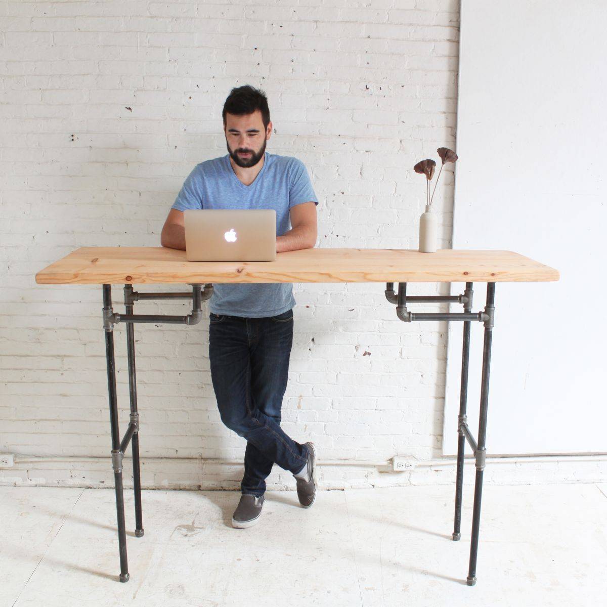 Desk kickstand furniture - Diy Plumbers Pipe Standing Desk