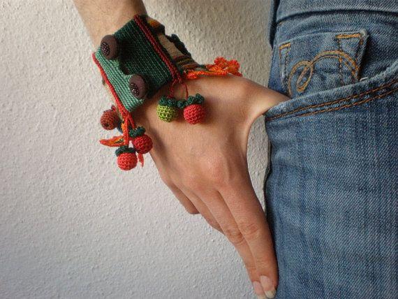 Ilex Verticillata ... Freeform Crochet por irregularexpressions