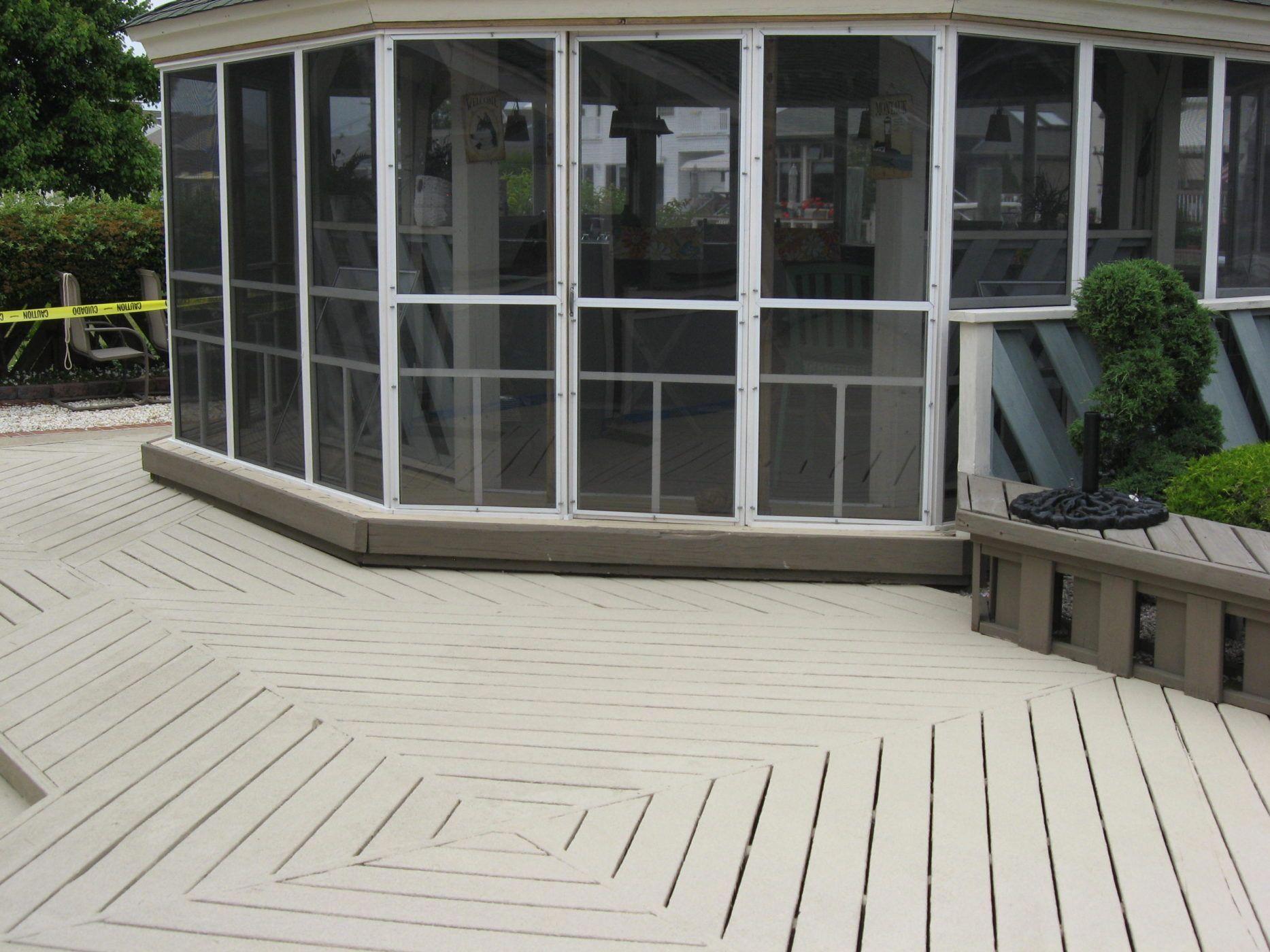 Striking Deck Decorating Deckdecorating Patio Concrete