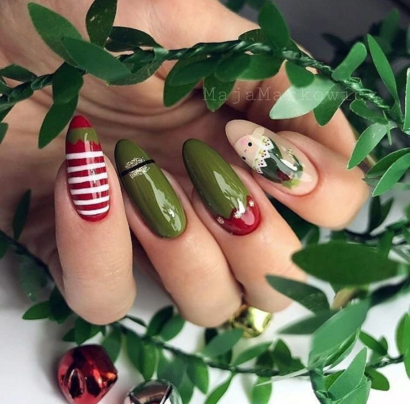 Christmas Nails Elf: Christmas Elf Nail Art Design