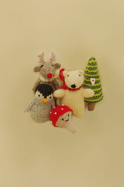 21 Little Christmas Knits pattern by Fiona Goble ...