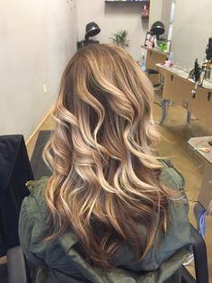 Blonde caramel highlight balayage