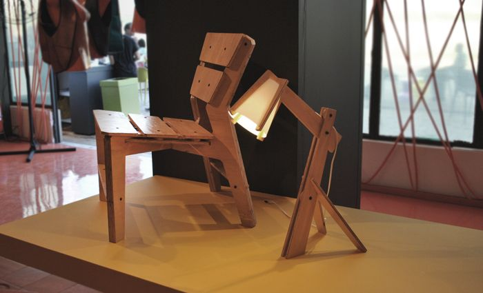 Superieur Kross Chair And Lamp