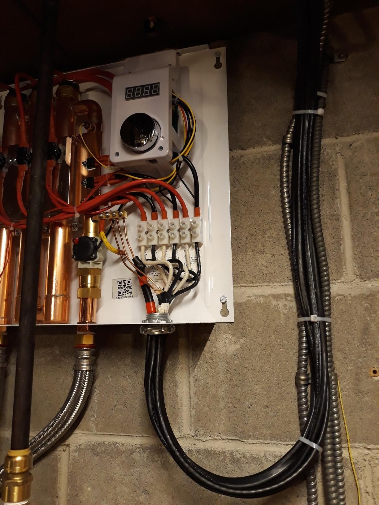 This Model Is Well Suited For Homes In The Northern U S Canada And In The Southern U S For Large R Tankless Water Heater Water Heater Water Heating Systems