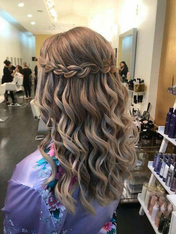 15 Peinados pelo suelto ondulado corto