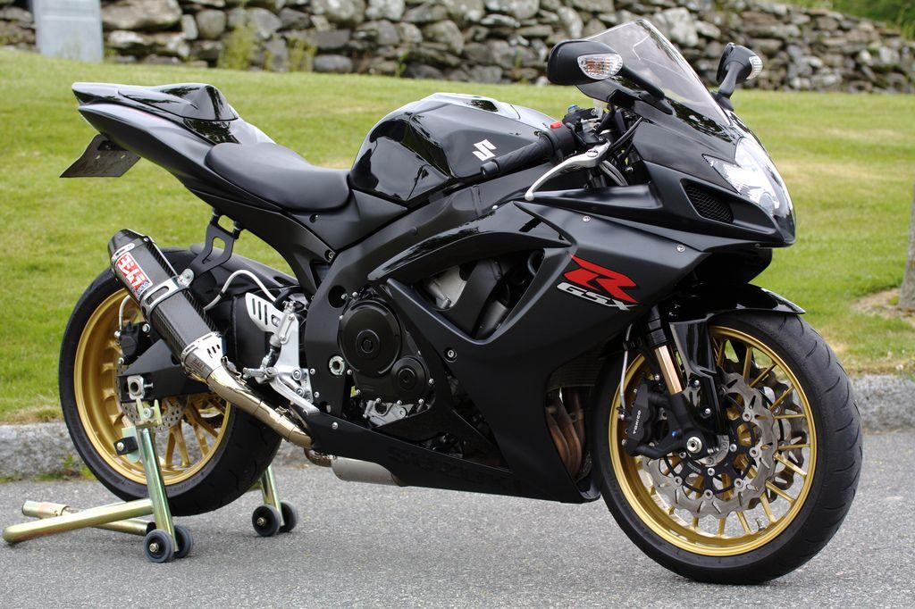 K7 gsxr 750 | superbike | Suzuki bikes, Motorcycle, Suzuki