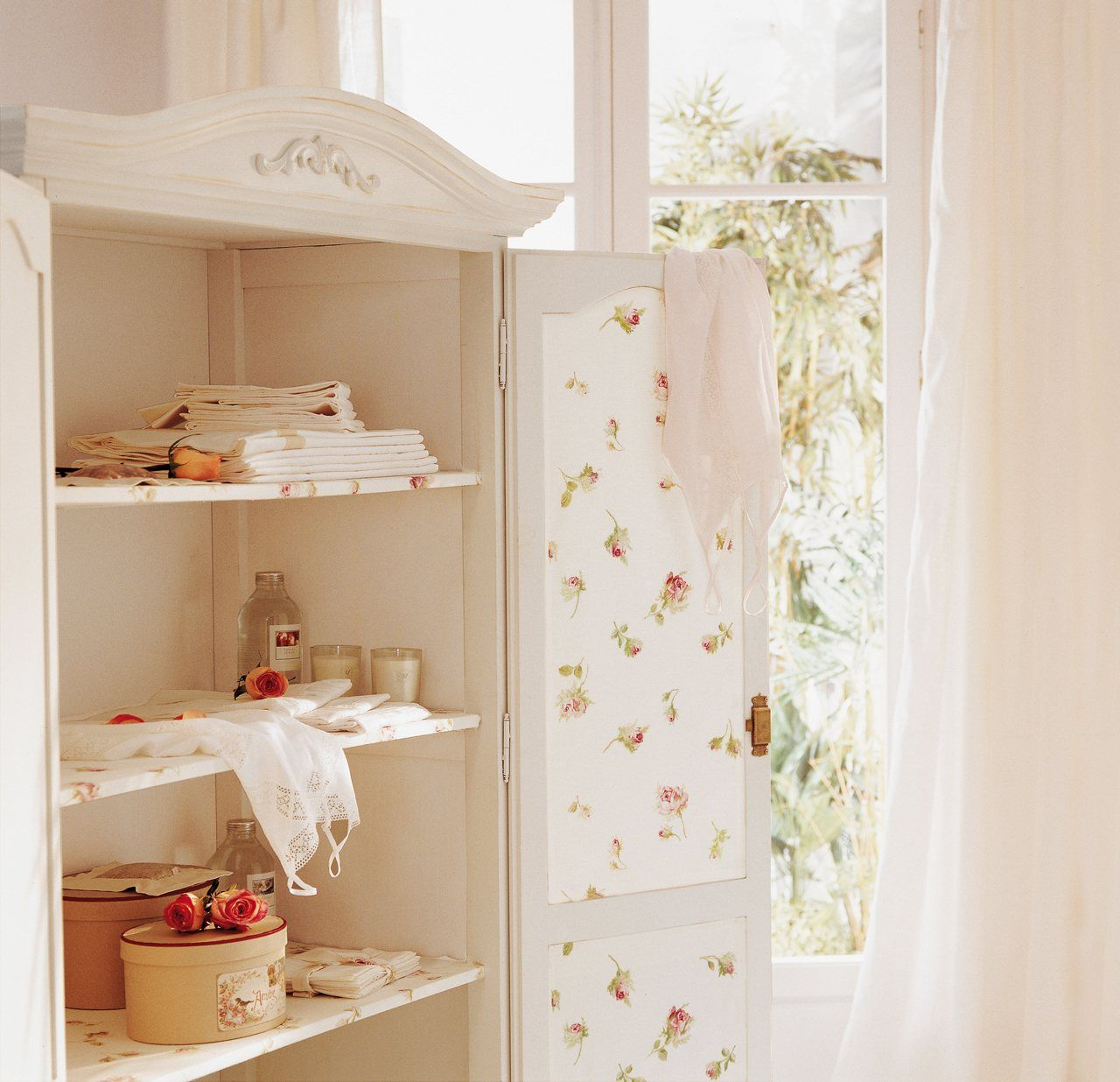 Limpieza De Primavera 25 Trucos Muy útiles Muebles Forrados Con Papel Limpieza De Primavera Muebles