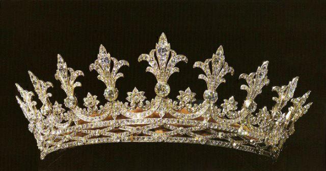 تيجان ملكية  امبراطورية فاخرة C0f3f6d11886d4ebafb122b13d912098