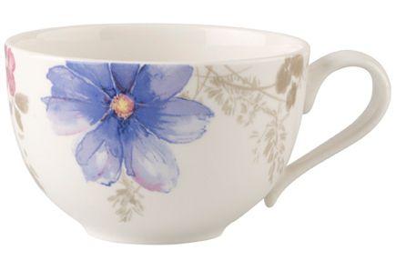 Kesäisen kaunista ja hempeän kukkakuviollista Villeroy & Boch Mariefleus Gris -sarjaa, jossa upeita sävyjä. Astianpesukoneen ja mikroaaltouunin kestävää posliinia. Aamiaiskupissa on pyöreä muoto ja tilavuus 0,39 litraa.