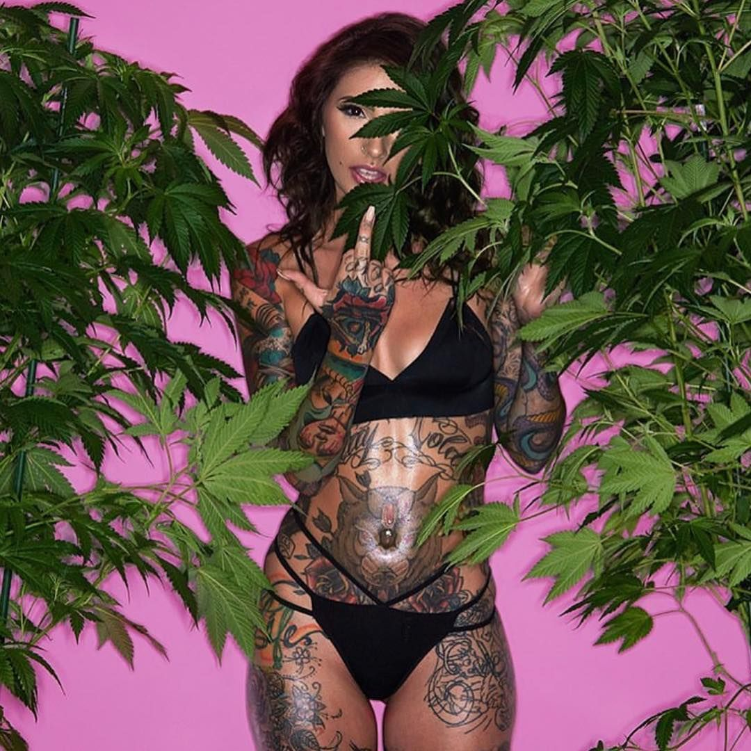 Sexy women and cannabis brilliant idea