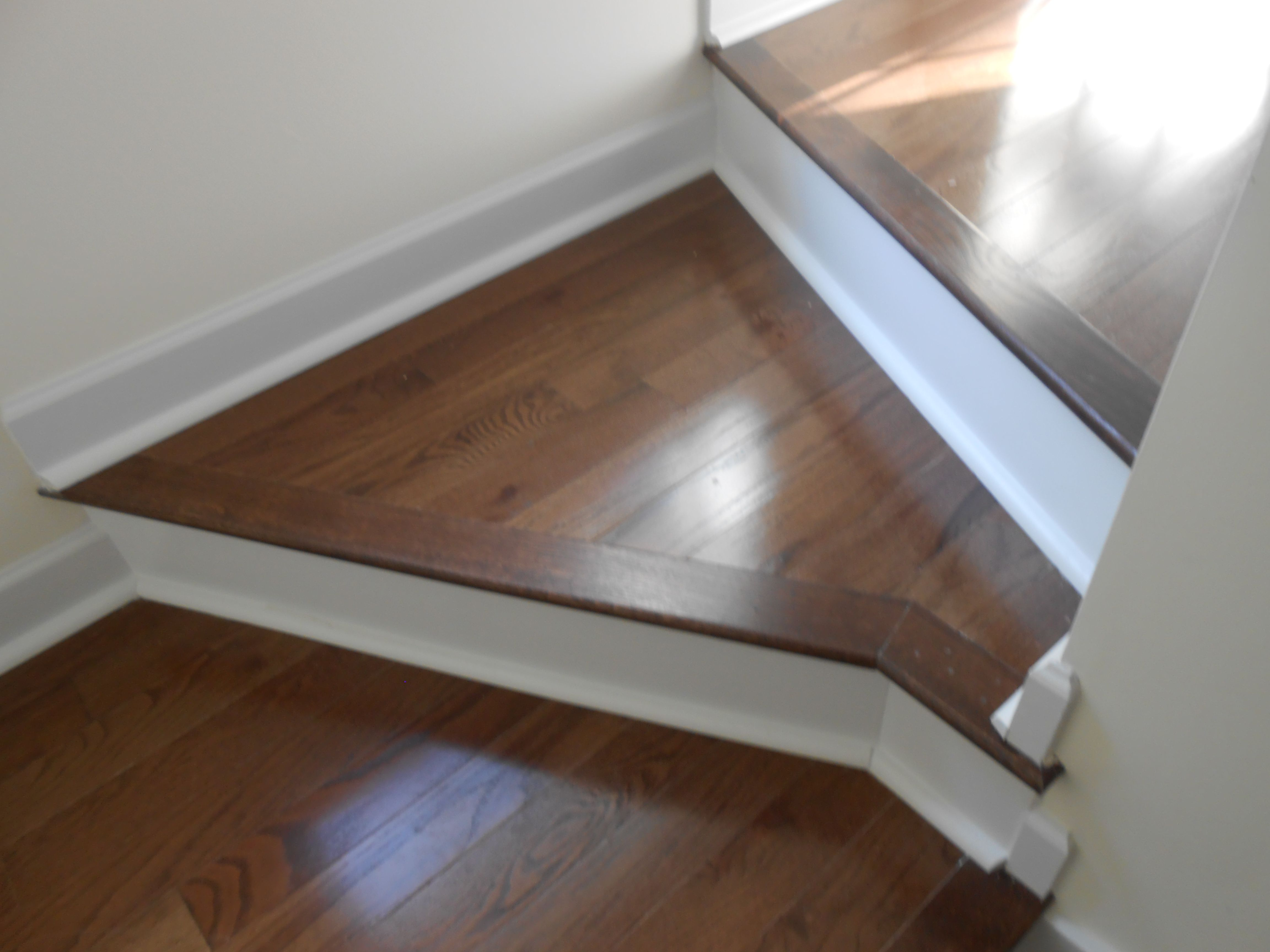 Hardwood floors on a stair landing interior photos for Hardwood floors and more