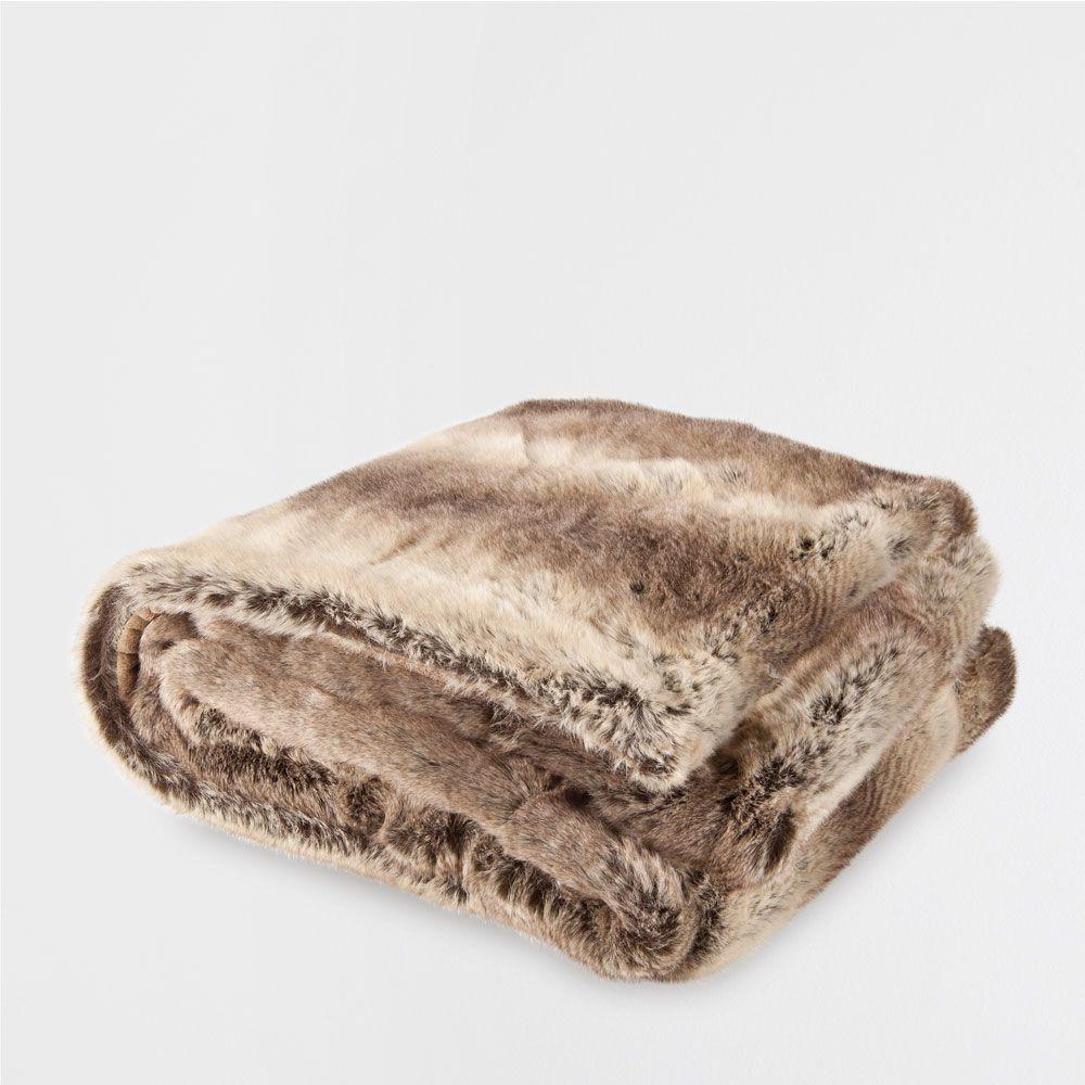 Zara Home Cojines Y Mantas.Manta Pelo Liso Zara Home En 2019 Zara Home Mantas Para