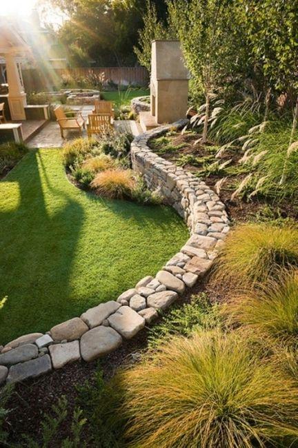 Origineller sichtschutz im garten bequeme sitzecke im for Gartengestaltung sitzecke sichtschutz